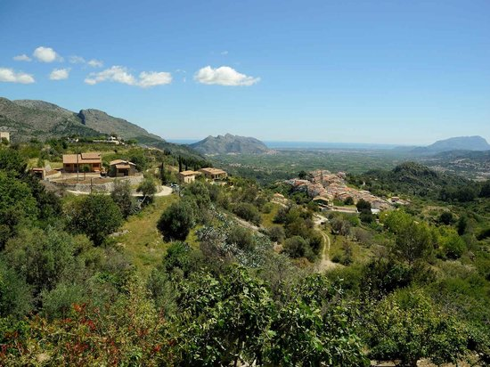 Venta Del Collao: View an nearby village of Campell