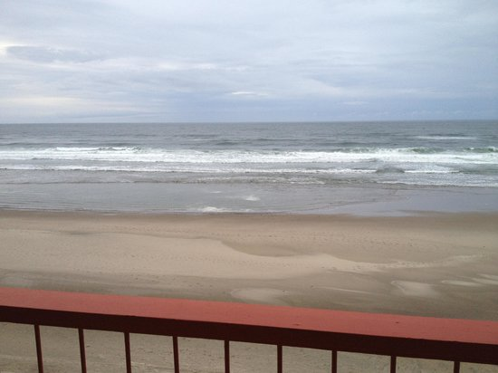Surftides Lincoln City: View from the balcony of our room