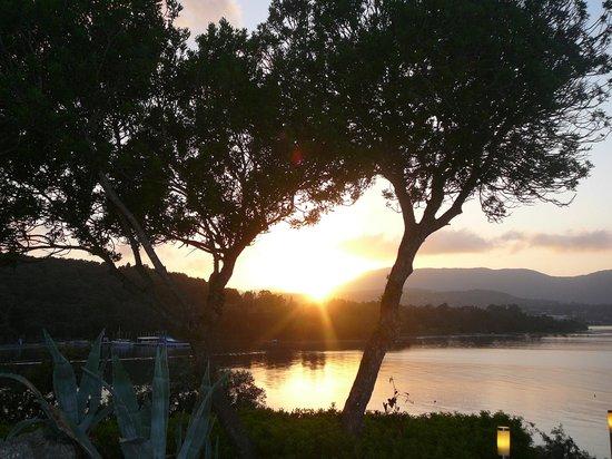 Grecotel Eva Palace: Coucher de soleil à la plage