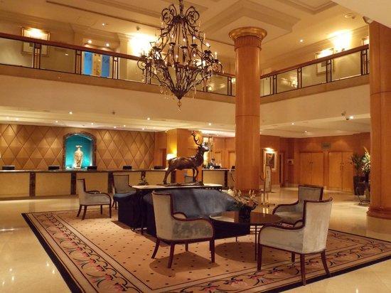 Millennium Gloucester Hotel London Kensington Recepcion
