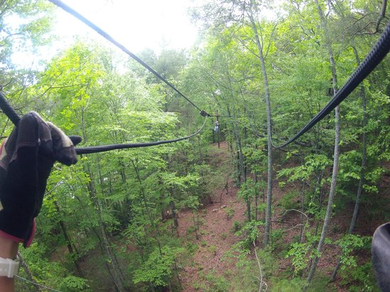 Highlands Aerial Park: Zipping!
