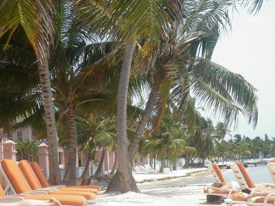 Banana Beach Resort: Davanti l'hotel