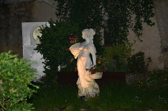 Le Clos de L'Hermitage : Vue du jardin extérieur
