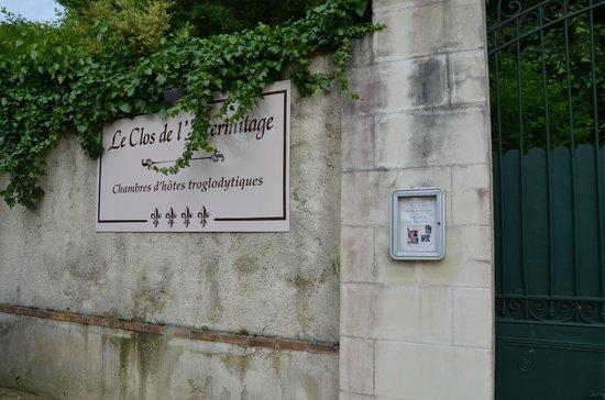 Le Clos de L'Hermitage : Vue depuis le quai des Violettes