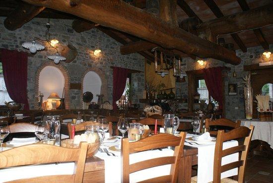 Locanda Le Macine Del Confluente: salle à manger