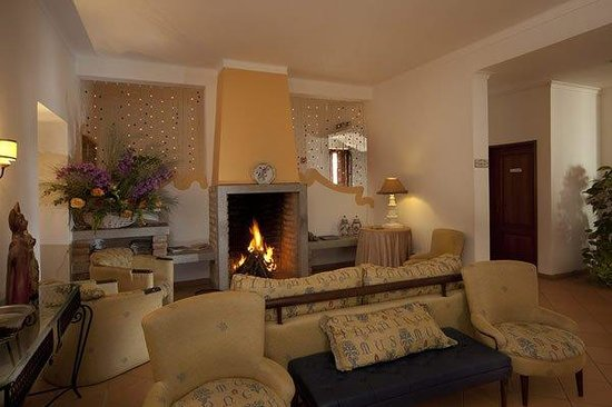 Betica Hotel Rural : Lareira