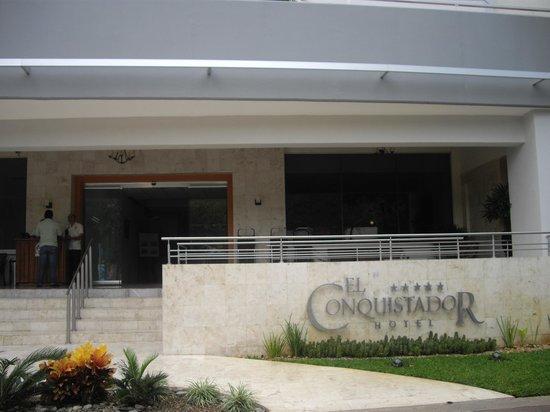 Hotel El Conquistador: Linda entrada.