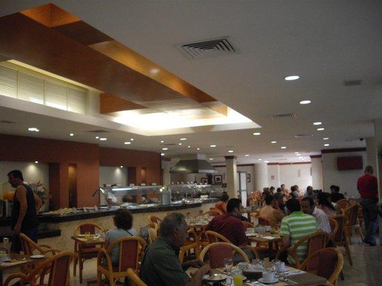 Hotel El Conquistador : Buen comedor.