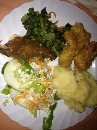 Seastar Inn: My plate at the Reggae buffet