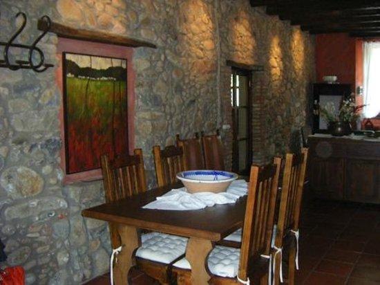 Can Jepet Rooms: entrada y salón planta baja