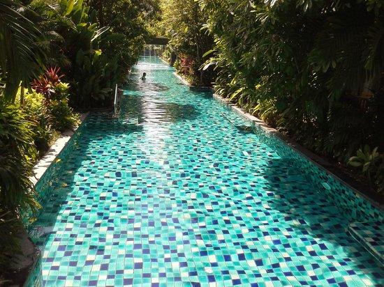Metadee Resort and Villas: la piscine qui dessert les chambres