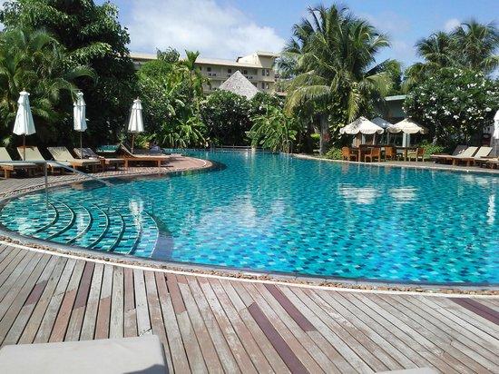 Metadee Resort and Villas: la piscine principale