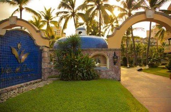 Villa del Palmar Beach Resort & Spa: Entrance