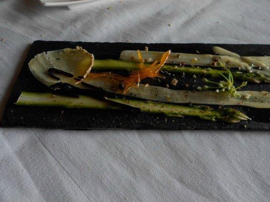 Restaurant de l'Auberge de la Source Peyssou: carpaccio de cabécou