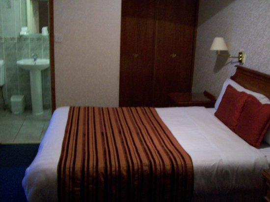 Helen Hotel : Bedroom