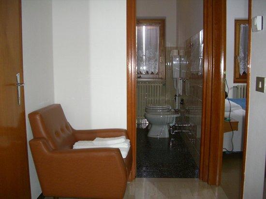 Albergo Ristorante San Pietro : ingresso bagno