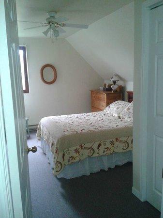 Broadwater Inn: Large Bedroom