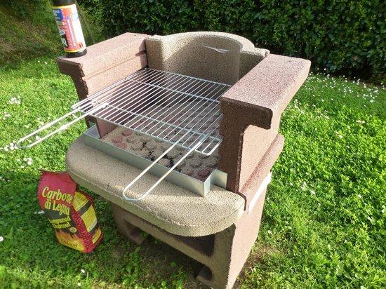 Villa Ostignano: A handy barbecue grill