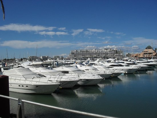 Algardia Apartments: The marina