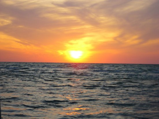Key Sailing: Sunset on the water