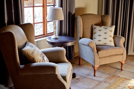 La Kruger Lifestyle Lodge: Luxury Bush Chalet - Seating Area