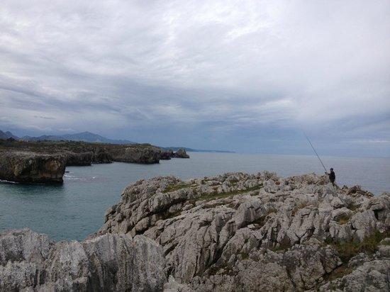 Cuevas del Mar Hotel: Los acantilados