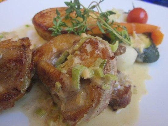 Restaurant Moutarde: kwartel met prei, sjalot, look, roomsaus en thym