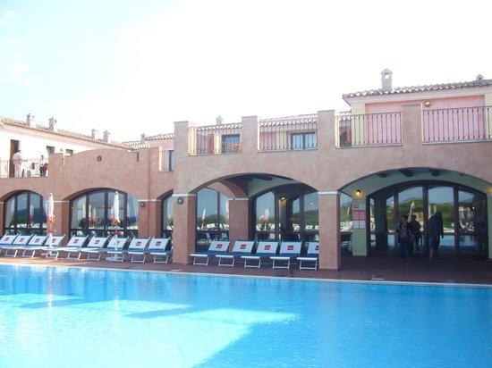 Hotel Club Cala Blu: Vue piscine