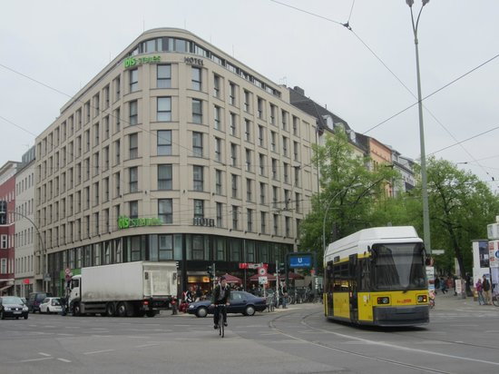 Ibis Styles Berlin Mitte: frontal del hotel
