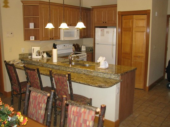 Westgate Branson Woods Resort: 1-bedroom grand kitchen, 3016A