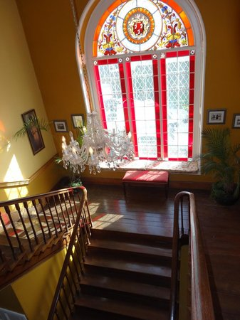 Inch House : View down staircase from 2nd floor landing - beautiful window
