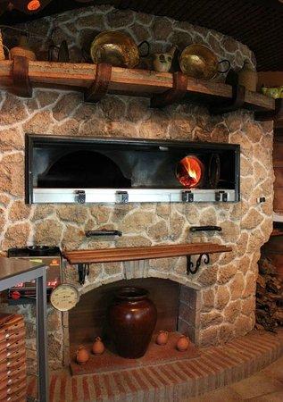 El horno de le a foto van la fogata pizzeria alhaurin for Como hacer un horno de lena de hierro