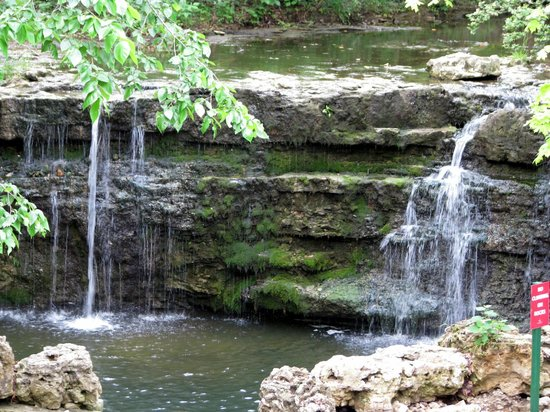 Westgate Branson Woods Resort : waterfall on nature trail, behind 3000 bldg