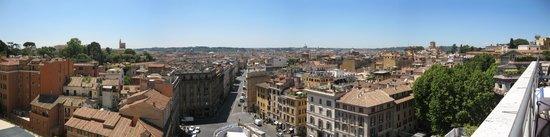 Sina Bernini Bristol: Vue panoramique depuis la terrasse du restaurant