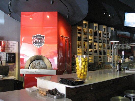 Cinquecento Pizza Gelato & Cafe: The brick oven