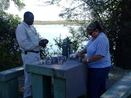 Sanctuary Chobe Chilwero: Coffee Stop with a view and Chika has it all organised!