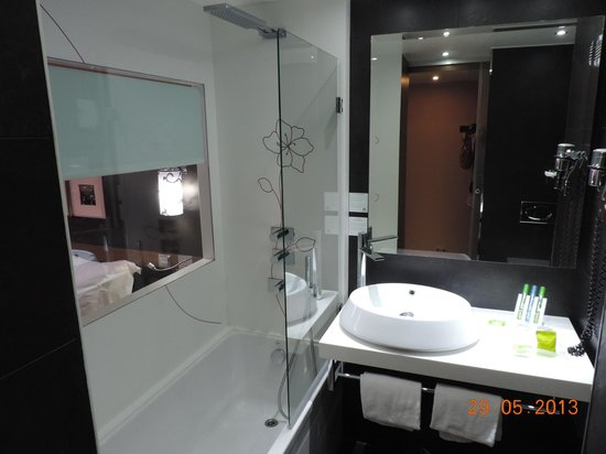 Holiday Inn Paris-St. Germain Des Pres: bathroom