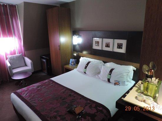 ฮอลิเดย์อินน์ ปารีสแซงต์แชร์กแมงเดเพร: queen room