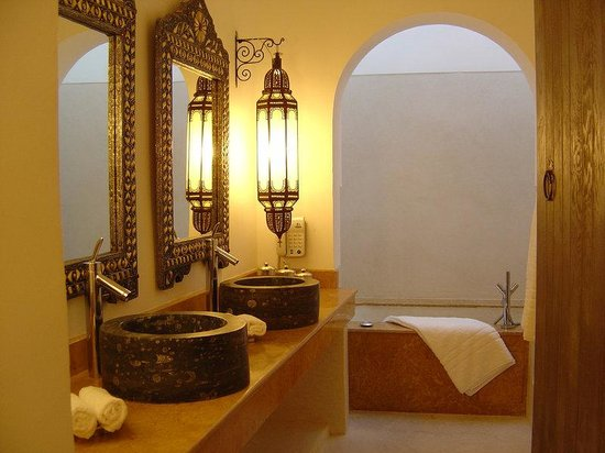 Riad Farnatchi: Bathroom Suite
