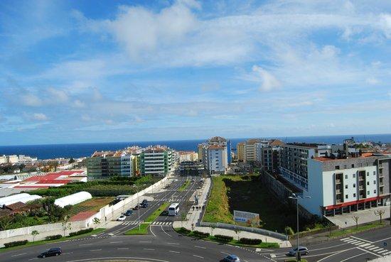 VIP Executive Azores Hotel: VISTA DAL 6° PIANO DELLA NOSTRA CAMERA