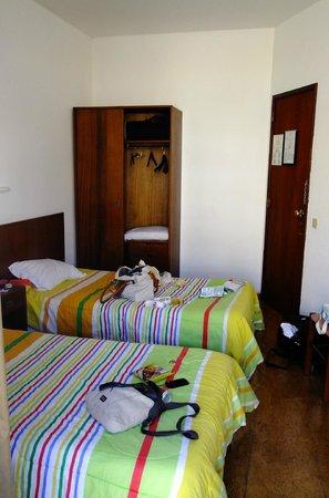 Pensao Nova Goa: room