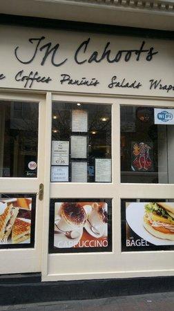 In Cahoots Cafe: incahoots cafe dublin
