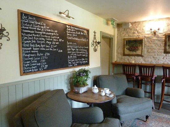 The Kingham Plough: Bar Lunch Area