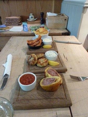 The Kingham Plough: Bar Lunch