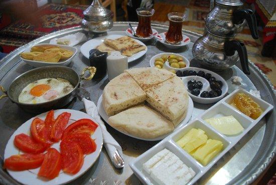 Memiszade Konagi: Kahvaltı2