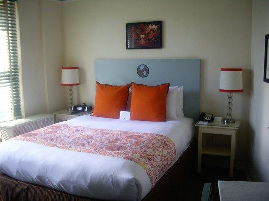 Hotel Carlton, a Joie de Vivre hotel: Une agréable chambre rénovée du 9e étage