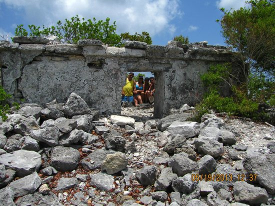 Punta Molas Faro (Molas Point Lighthouse): Learning of the culture