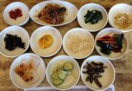 Han Sang Korean Restaurant: 11 sidishes