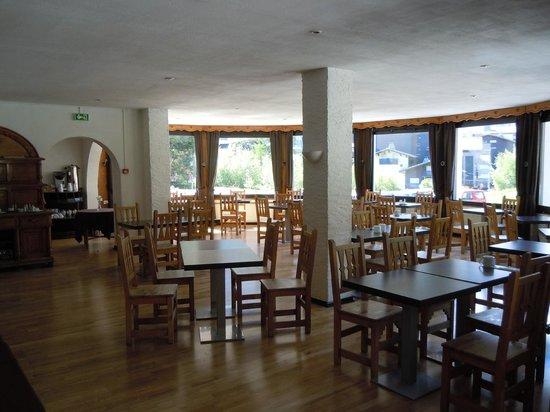 La Sapiniere: Dining Room