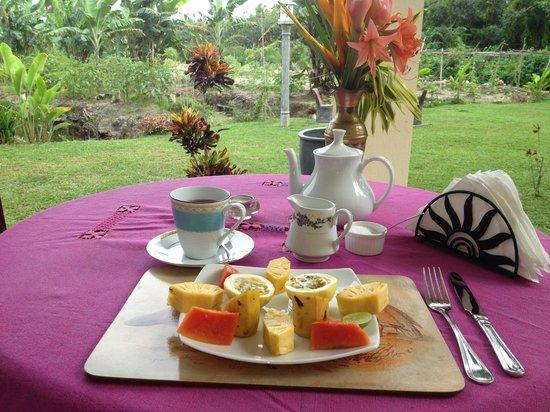 Shangri-Lanka Villa: Breakfast
